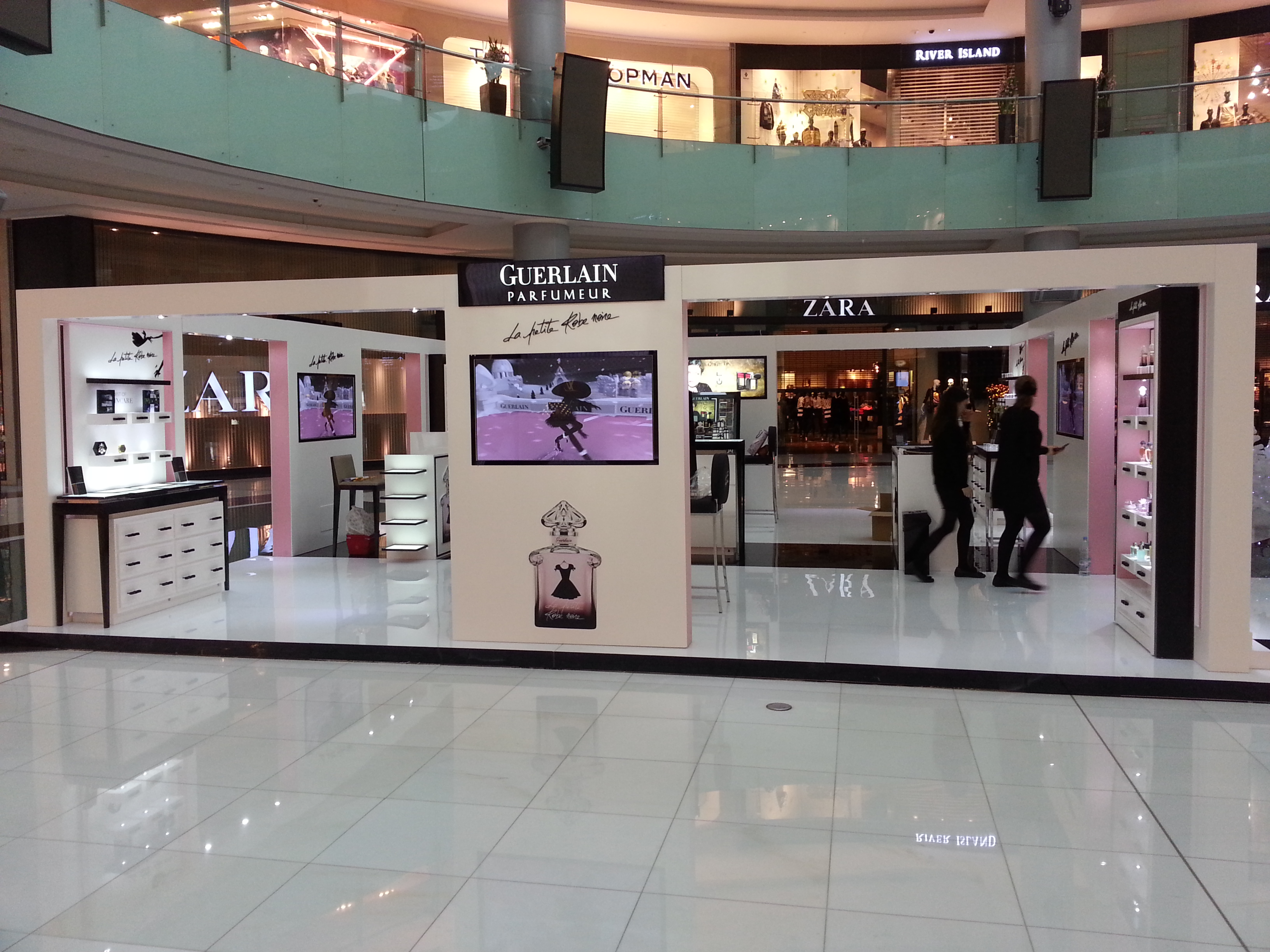 Guerlain Fashion Catwalk Dubai mall